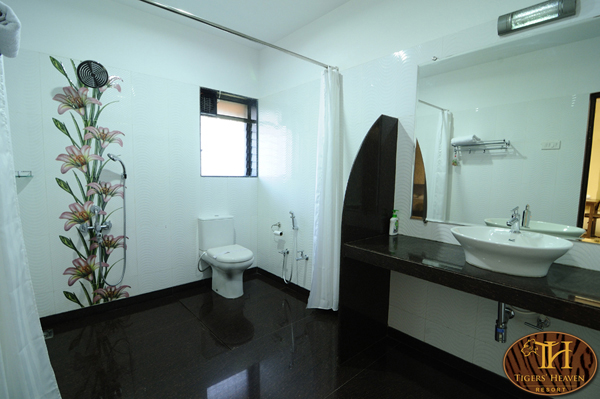 Washroom of special rooms and all deluxe rooms is same, with 24 hrs hot /cold water.